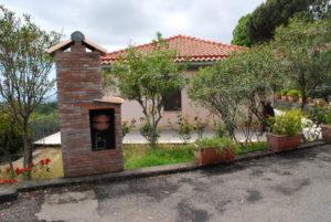 La foto mostra uno scorcio degli alloggi di vEyes Land
