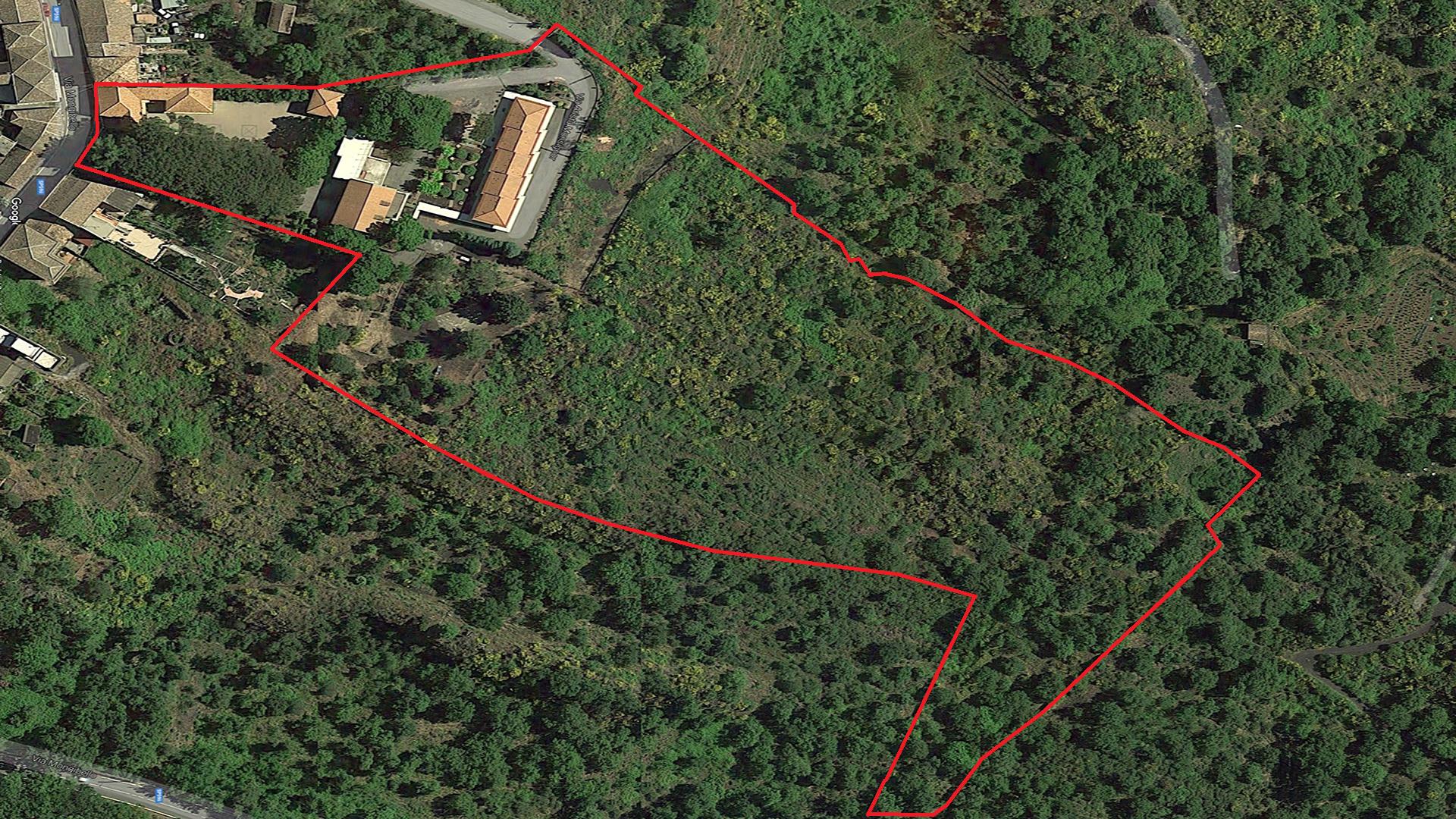 La foto mostra una vista aerea di vEyes Land