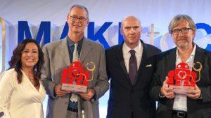 L'immagine mostra la premiazione del contest europeo Make to Care ideato da Sanofi Genzyme